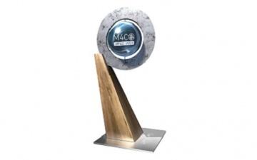 Gezeigt wird der Pokal der an die Gewinner des Money 4 Change - Impact Awards übergeben wird. Die NÖVK zählt zu den besten Vorsorgekassen